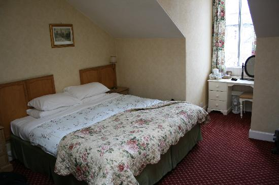 Kingsway Guest House: Super King Bed