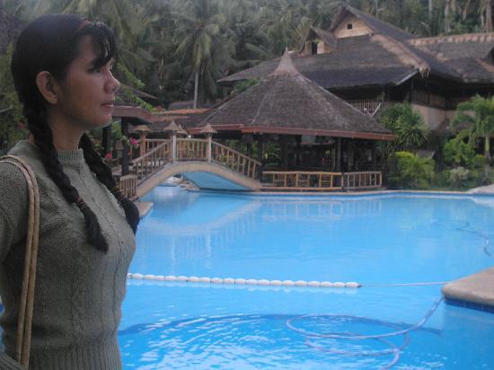 Coco Beach Island Resort : Main swinning pool