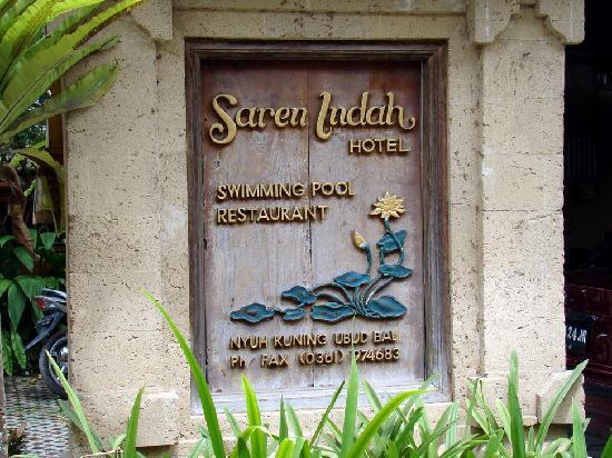 Saren Indah Hotel: Hotel Sign