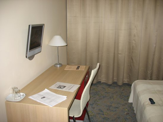 Michael Hotel: Room 11