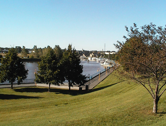 Sheboygan River Park w Boardwalk n Boats