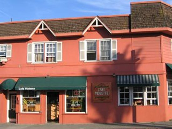 Village Grill & Creamery : Cafe Violette's charming building