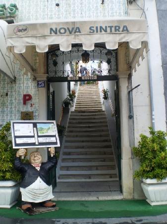 Hotel Nova Sintra : entrance