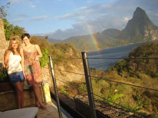 Jade Mountain Resort: one of many rainbows in our room