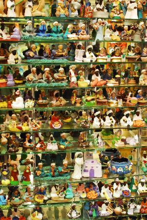 Aswan Market : petits personnages de crèche