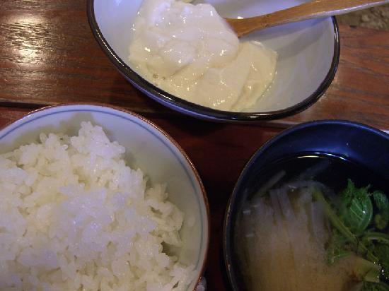Setoguchi : Steamed rice and miso soup and hand-made tofu