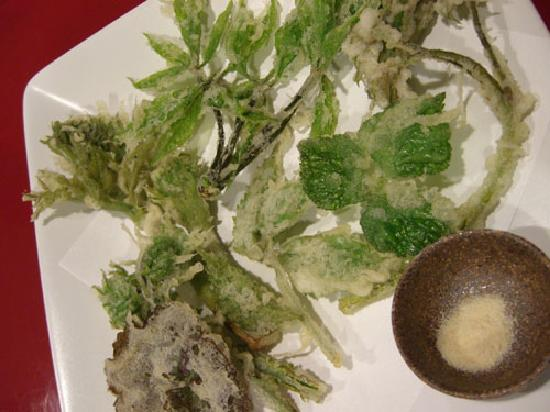 Setoguchi : Edible wild plant tempura