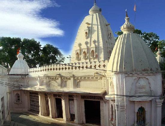 Raipur, India: BUDHESHWAR MAHADEV TEMPLE