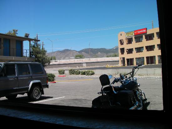 Motel 6 Albuquerque Northeast: mountain view from window of my room