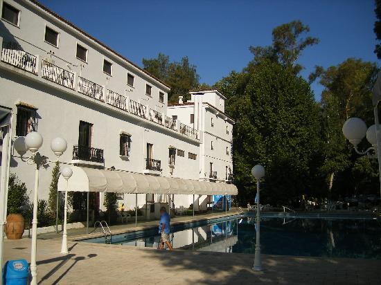 Balneario de Chulilla: View of pool area