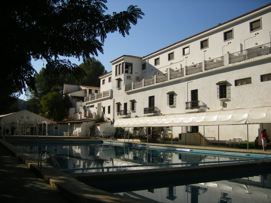 Balneario de Chulilla: View of pool area