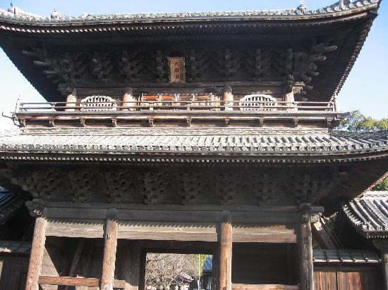 Daijuji Temple: 家光寄進の山門