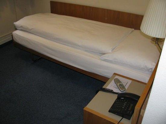 Sternen Oerlikon Hotel:                   Bedroom