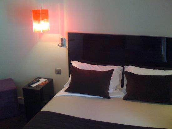 Hotel Rocroy: room 405