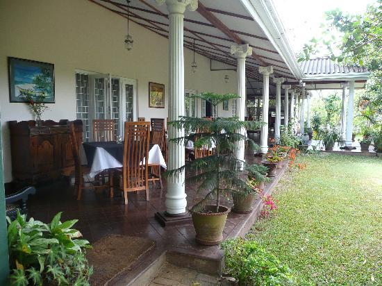 Hotel Cranford Villa : salle à manger extérieure