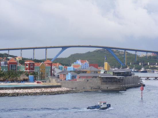 Queen Juliana Bridge : vista del puente