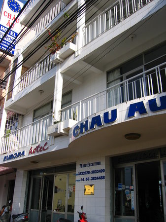 Hotel Chau Au Europa: Front of hotel Europa with the balconies