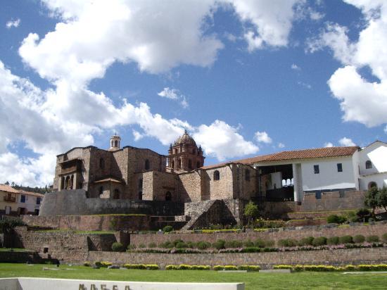 กุสโก, เปรู: Iglesia Santo Domingo