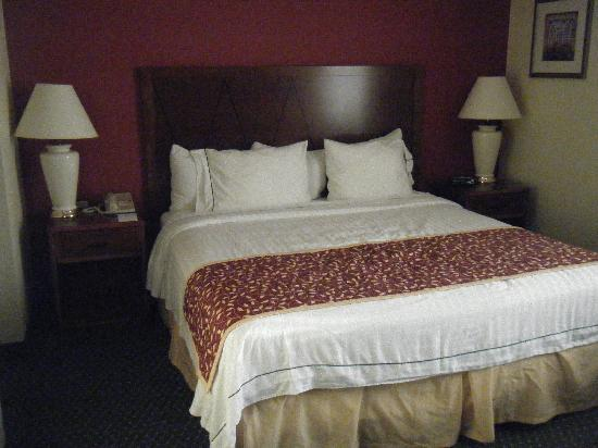 Residence Inn Costa Mesa Newport Beach: The most comfortable bed ever!