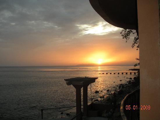 Portulano Dive Resort: sunset from balcony