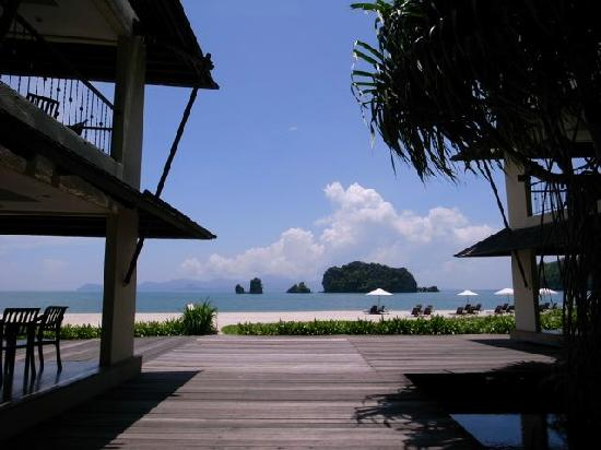 Tanjung Rhu Beach: look to the beach from gaeden