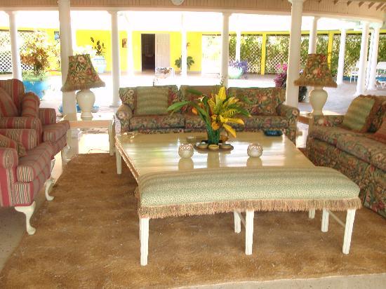Carousel Villa : lovely livingroom