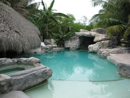 Sugarloaf, FL: The pool with hot tub and grotto was awesome!