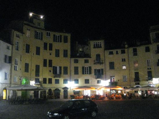 Anfiteato at night, just steps away from La Torre