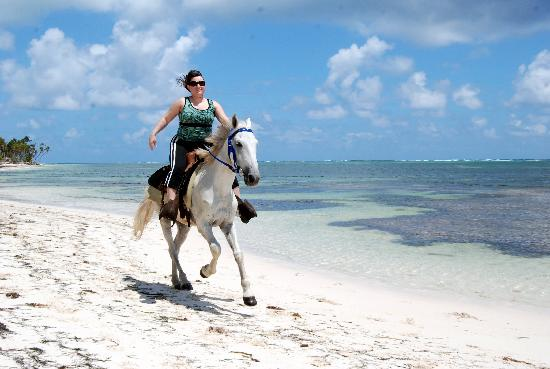 Pandora Stables: Cantering along the beach in Punta Cana