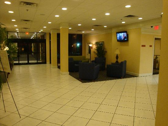 Howard Johnson Atlanta Airport: Lobby