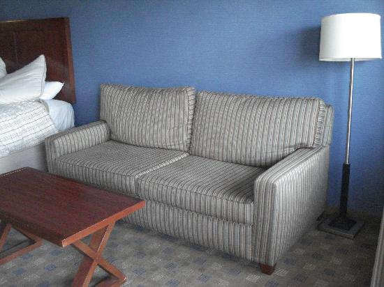 Culver City Travelodge: Nice to have a lounge to relax on
