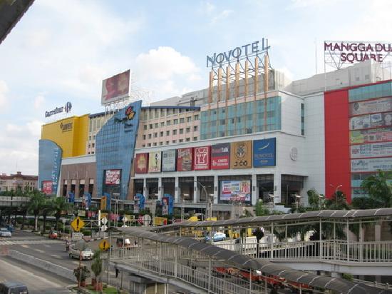 117cb7f98 يعتبر سوق منقادوا أو سوق السلع الرخيصة كما يسميه البعض من أفضل الأسواق  الموجودة في مدينة جاكرتا التي يأتي السياح إليها بمجرد وصولهم إلى المدينة  حيث أنه يقع ...