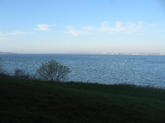 Wyndham Newport Overlook: Relaxing bay view