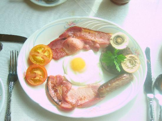 Dundarach Hotel: This is breakfast
