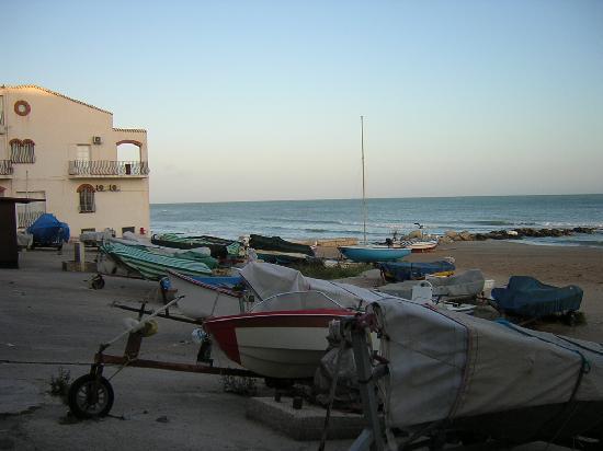 Marina di Ragusa, Italy: Il porticciolo dei pescatori 2