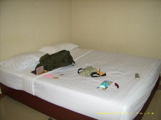 Bangkok City Suite: Room Pics