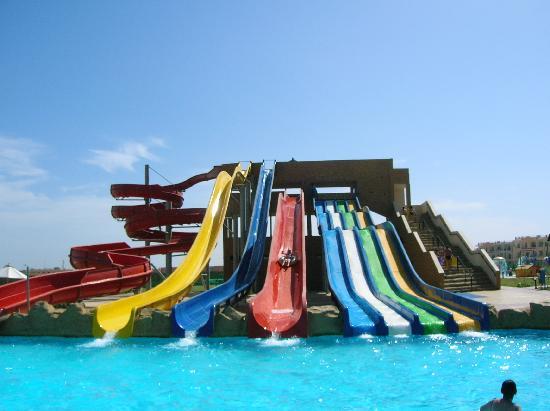 Tirana Aqua Park Resort: Toboggans amusants