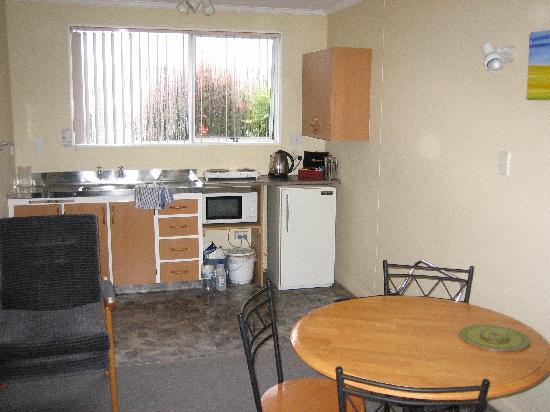 Aden Motel: The Kitchen