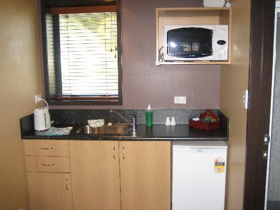 Broadway Motel: The Kitchen