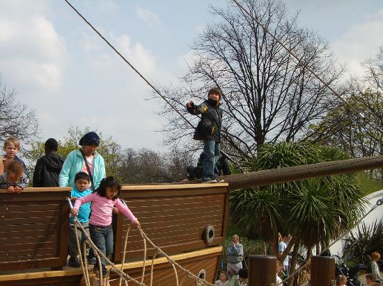 Diana Princess of Wales Memorial Playground: Prow of the Pirate Ship