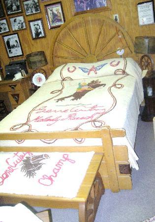 Gene Autry Oklahoma Museum: Gene Autry themed bedroom