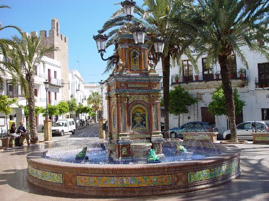 Costa de la Luz, Espagne : Plaza de Espana, Vejer de la Frontera