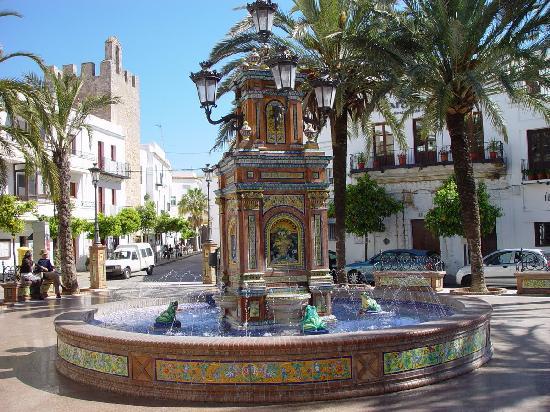 Costa de la Luz, Espanha: Plaza de Espana, Vejer de la Frontera