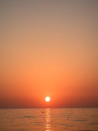 Hotel Flamingo Beach: Lever du Soleil devant le Flamingo Beach