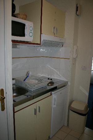 Appart'City Caen : Kitchenette