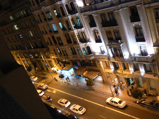 Hostal Hispano-Argentino: Street view from room
