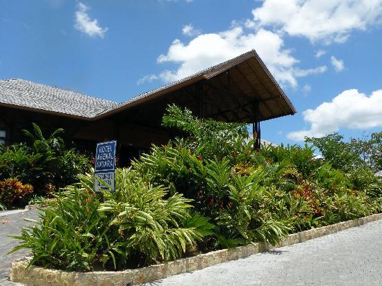 Nayara Resort Spa & Gardens: Hotel Entrance