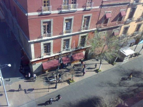 Hotel Canada: vista desde la azotea hacia la calle