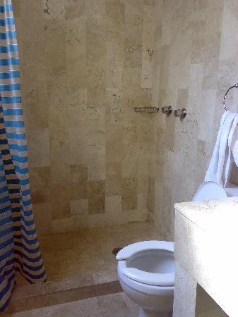 Hotel Canada: el baño