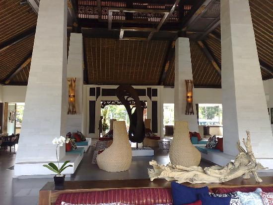Holiday Inn Resort Baruna Bali: Lobby